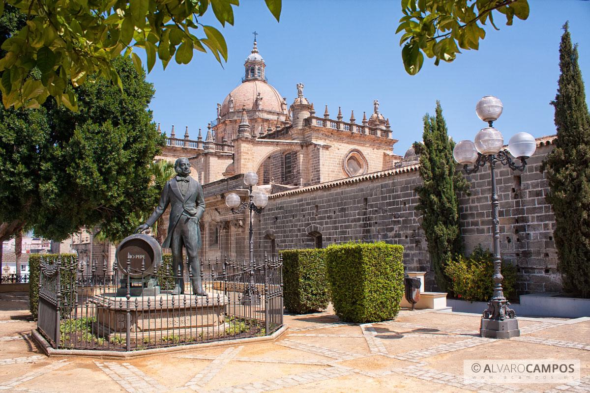 Monumento de tio pepe en jerez de la frontera for En jerez de la frontera