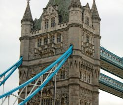 Puente de la Torre / Tower Bridge